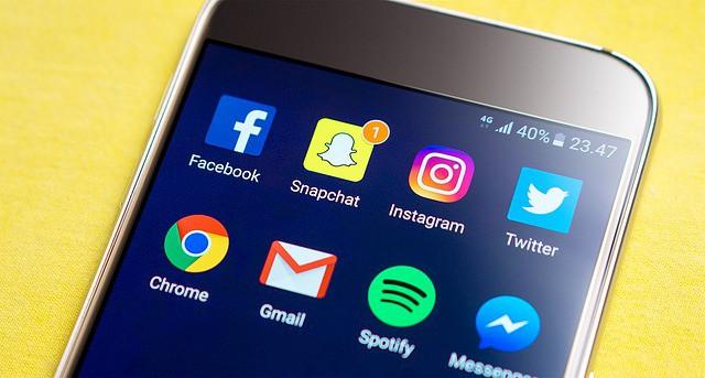 bejelentkezés a facebookra ikonok telefon